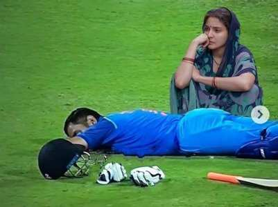 Anushka's memes viral as Team India lose semifinal