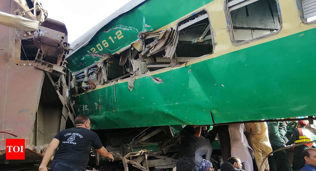 14 killed, 79 injured in Pakistan train collision