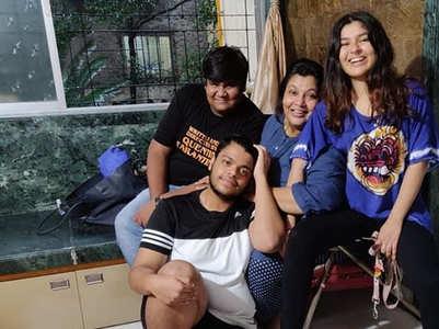 TMKOC's former Sonu reunites with co-stars