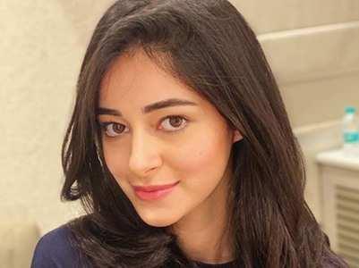 Ananya  kick-starts 'Pati Patni Aur Woh 2' shoot