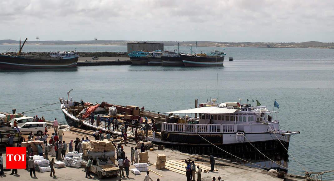 Somalia extremist attack in port city of Kismayo kills 10