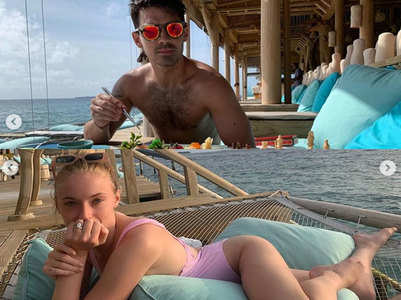 Pics: Joe-Sophie honeymoon in the Maldives