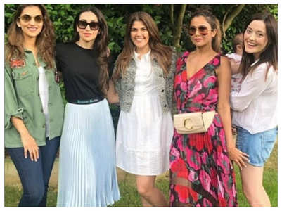 Pic: Karisma enjoys weekend with friends