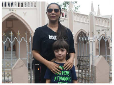 Gauri attends Sunday mass with son AbRam