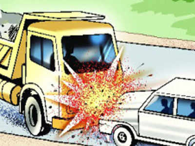 2 Killed 3 Injured As Car Hits Truck Salem News Times Of India