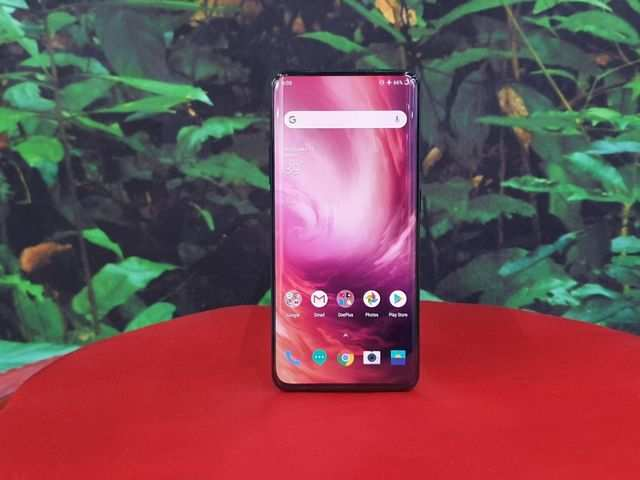How Samsung may be earning $80 on every OnePlus 7 Pro smartphone