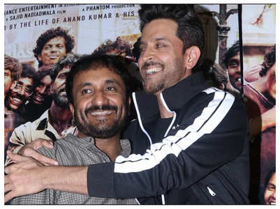 Hrithik watches the film with Super 30 batch