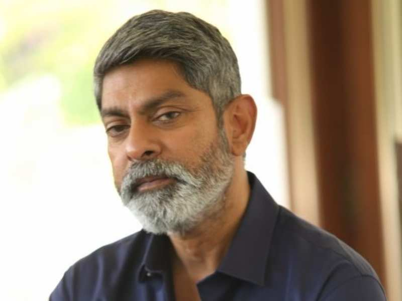 Jagapathi Babu opts out of Sarileru Neekevvaru? | Telugu Movie News - Times  of India