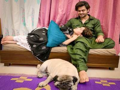 Dipika rests her head on Shoaib's lap