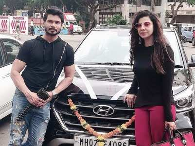 Sambhavna turns proud owner of a car