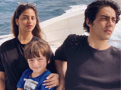 Suhana, Aryan and AbRam's attractive click