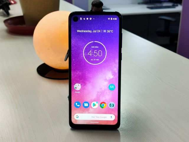 motorola one vision review: Motorola One Vision Review