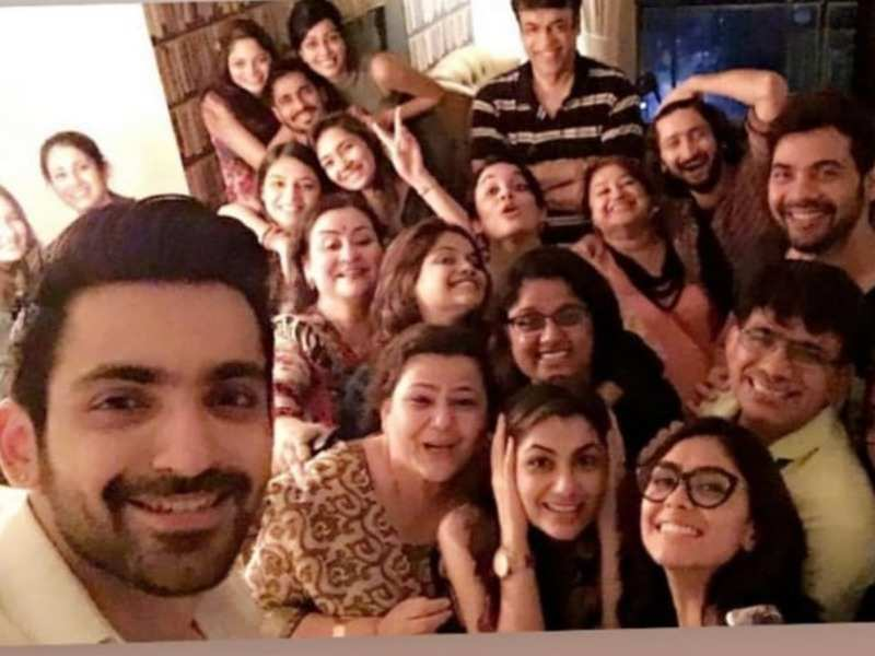 Sriti Jha and Arjit Taneja get nostalgic as they share a throwback picture from Kumkum Bhagya days