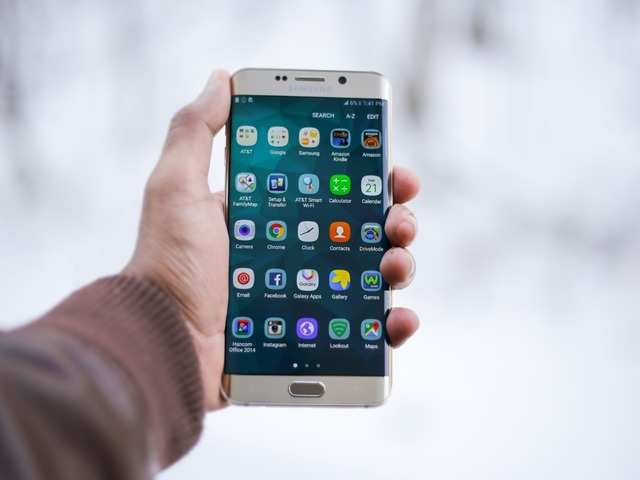 How to make your smartphone run faster by limiting background process limit