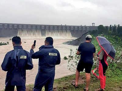 Ukai dam storage wipes water worries of Surat city | Surat