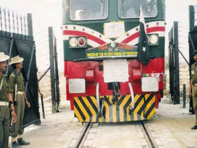 Thar Express from Pakistan reaches India