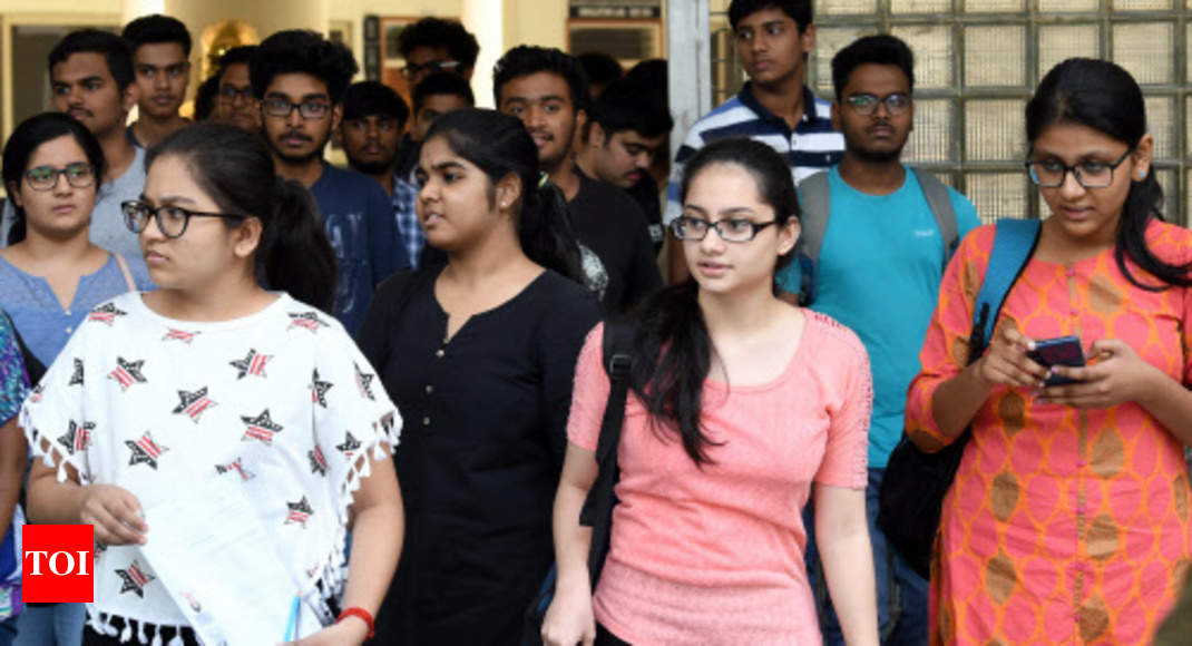 DU 8th cut-off list 2019 to be published today at du.ac.in, check details here