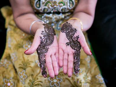 5 trendy mehendi designs you can try this Rakhi