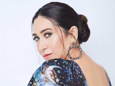 Pic: Karisma Kapoor stuns in a starry avatar