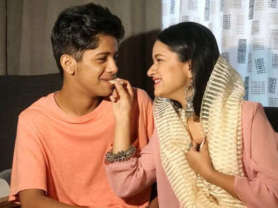 Avneet's brother surprises her on Rakhi