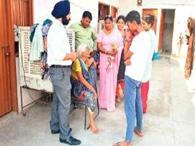 Lawyers rescue abused grandma, deranged man | Chandigarh