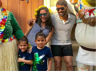 Shabir vacays with wife Kanchi and kids