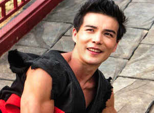Ludi Lin in talks to star in 'Mortal Kombat'