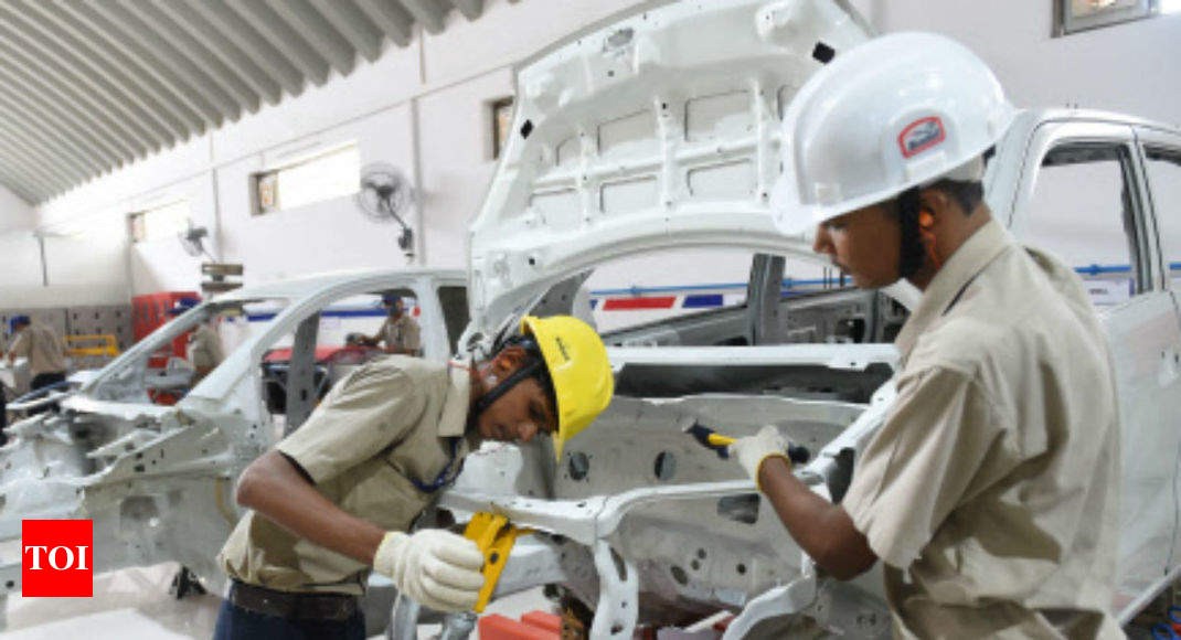 Auto workers forced to accept their insecure fate