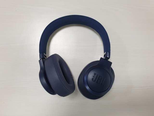 Jbl Headphones Review Jbl Live 500 Bt Headphones Review Worth The Money Gadgets Now