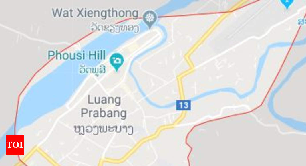 13 killed in crash of bus carrying Chinese tourists in Laos