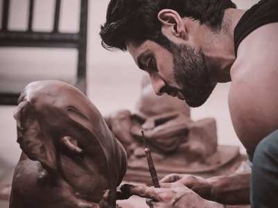 Karan sculpts his own Lord Ganesha