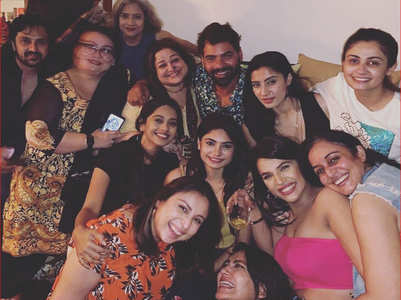 Kumkum Bhagya cast party at Sriti's house