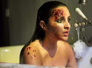 The Girl On The Train: Pari's first look out!