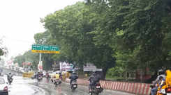 A rainy morning for Kanpurites