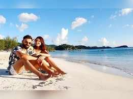 This photo of Anushka Sharma and Virat Kohli enjoying the beach is giving us major couple and vacay goals!