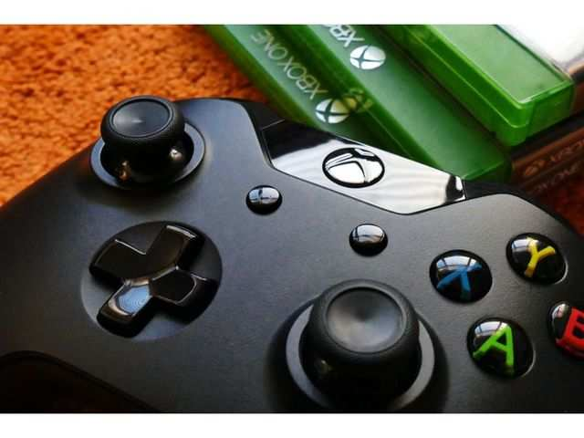 Microsoft contractors can reportedly listen to Xbox players' chats