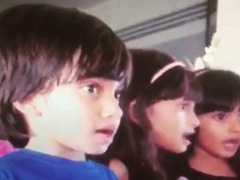 Farah Khan Shares A Hilarious Video Of Her Kids Lip Syncing On Manwa Laage Malaika Arora Arjun Kapoor Sonu Sood And Others Comment Hindi Movie News Times Of India