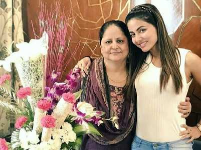 Hina Khan celebrates mom's birthday