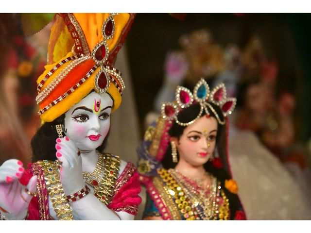 How to download and send Janmashtami and Lord Krishna Stickers on WhatsApp
