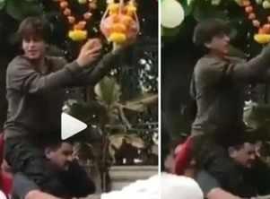 SRK celebrates Dahi Handi at Mannat