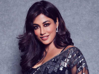 Chitrangda's black sari is perfect for your friend's reception party!