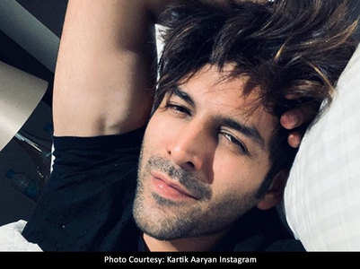 Pic: You can't miss Kartik's bed head selfie