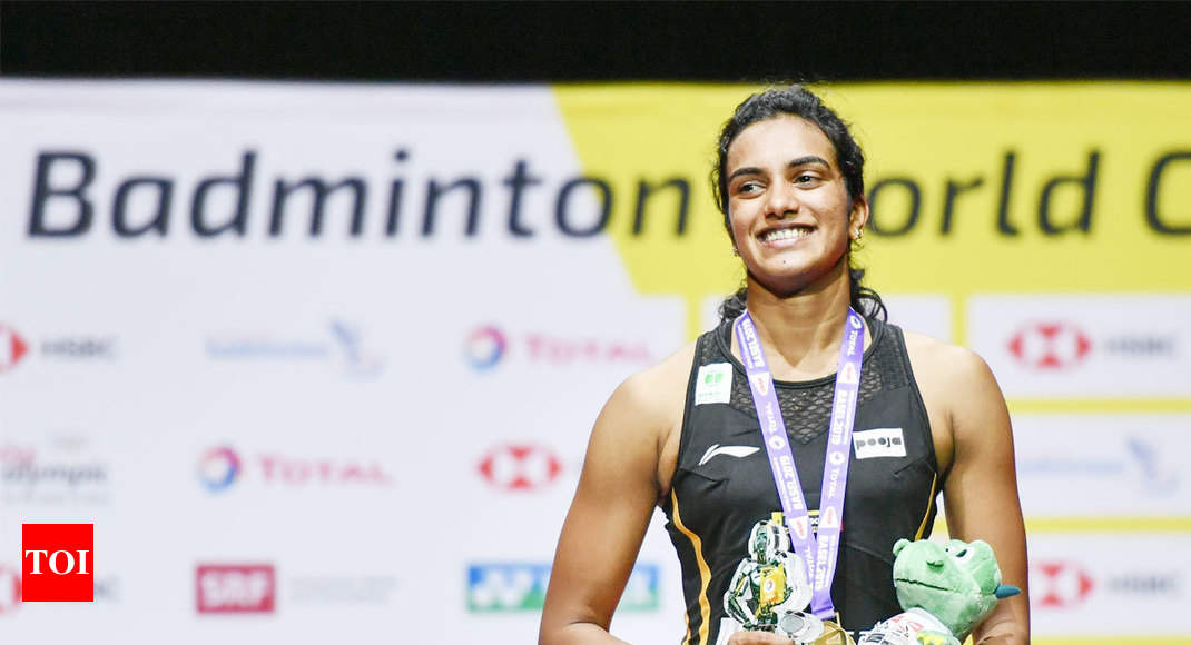 Twitterati hail badminton queen PV Sindhu after maiden World Championships gold