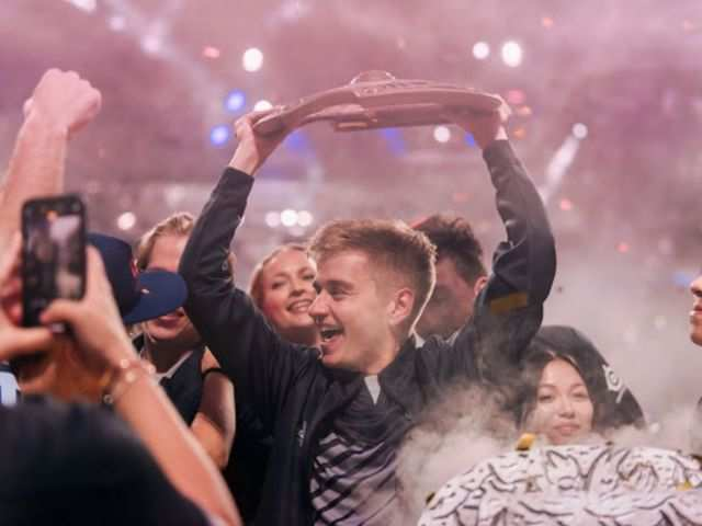 Game, set and match: Dota 2 winners take home more money than Wimbledon champs