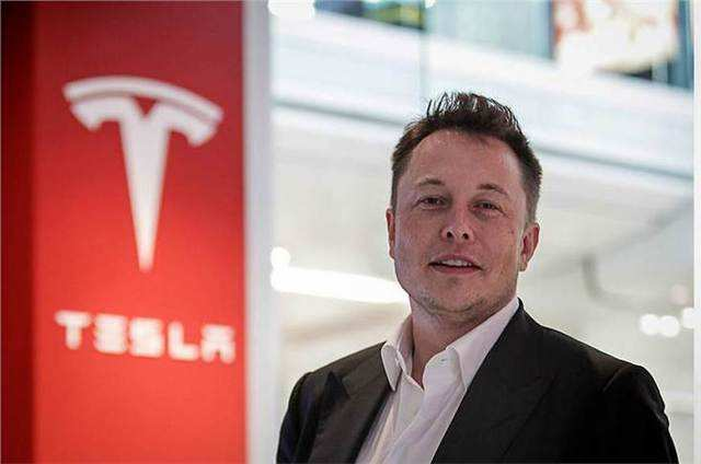 """Tesla CEO Elon Musk on why we should think we are """"very dumb"""""""