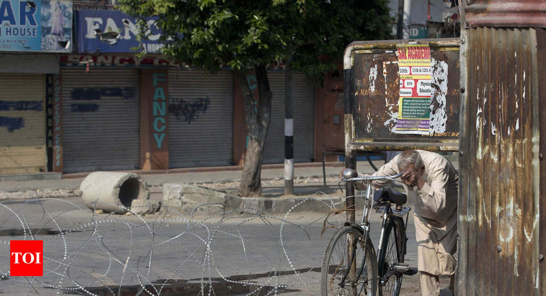 Fresh restrictions imposed in Kashmir Valley - Times of India thumbnail