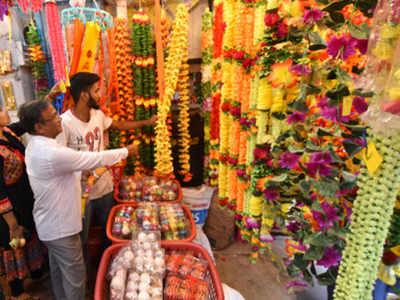 Eco-friendly decorative items flood markets across Kolhapur