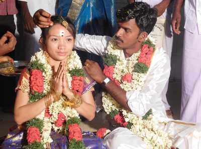 Tamil Nadu man marries Filipino woman whom he befriended on