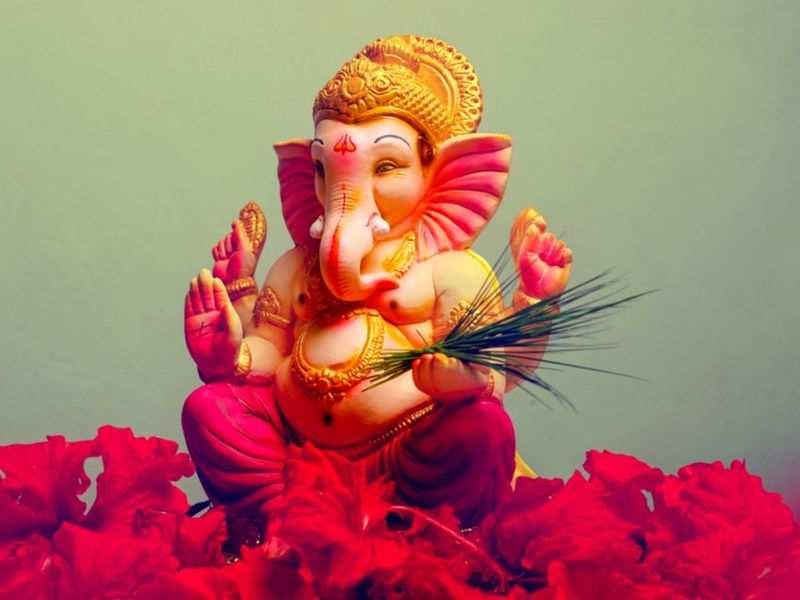 Types of eco-friendly Ganesha; shubh muhurat and puja vidhi for Ganesh  visarjan - Times of India