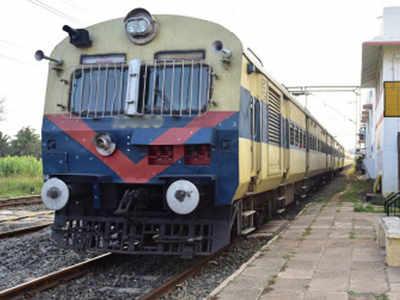 Train services restart in Mumbai after wet Wednesday